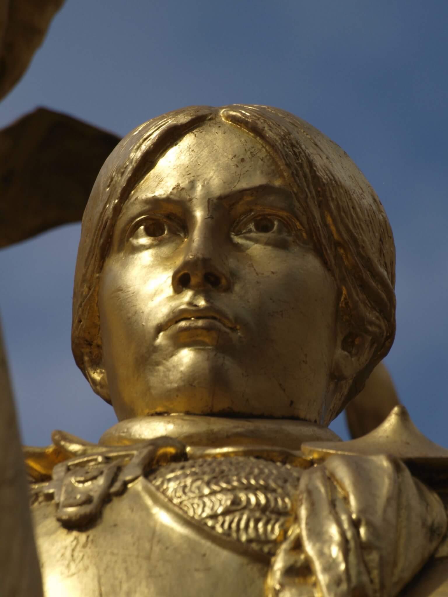 mujeres templarias y santas