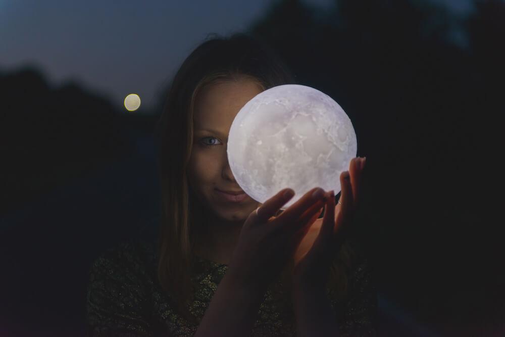 la luna y la semilla emocional