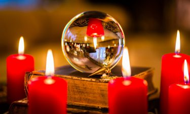 La Bola de Cristal para leer el futuro