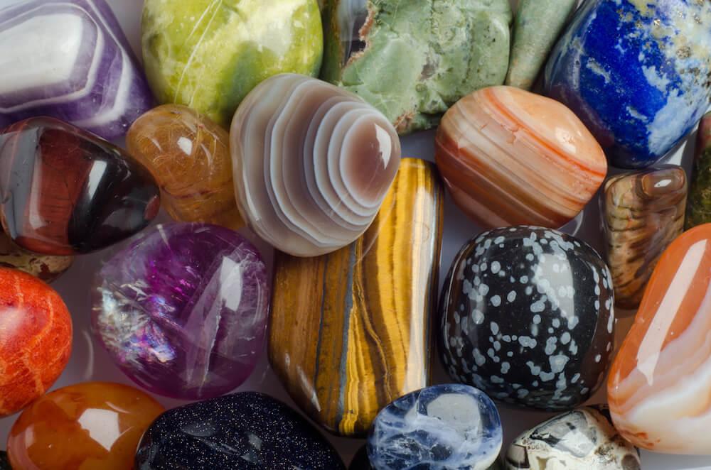 amuletos y piedras preciosas