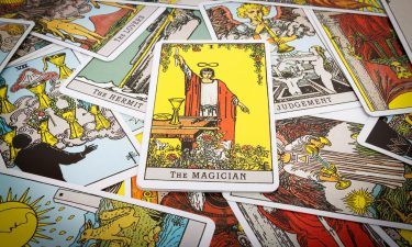 El Mago Echar las cartas del tarot
