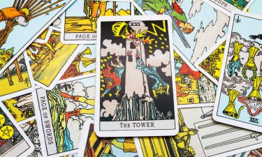 La Torre. Echar las cartas del tarot