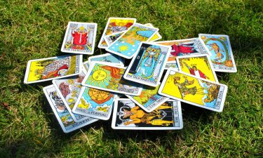 La Sota de Bastos. Echar las cartas del tarot