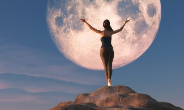 Predicciones de Luna Llena para todos los signos