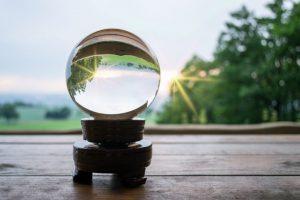 leer bola de cristal