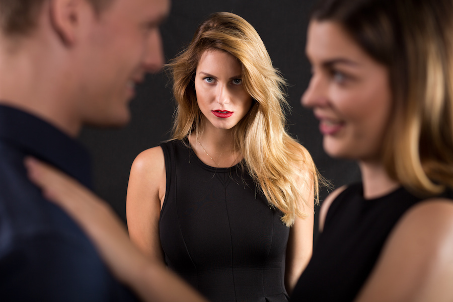 Los celos llevan a la destrucción de las parejas