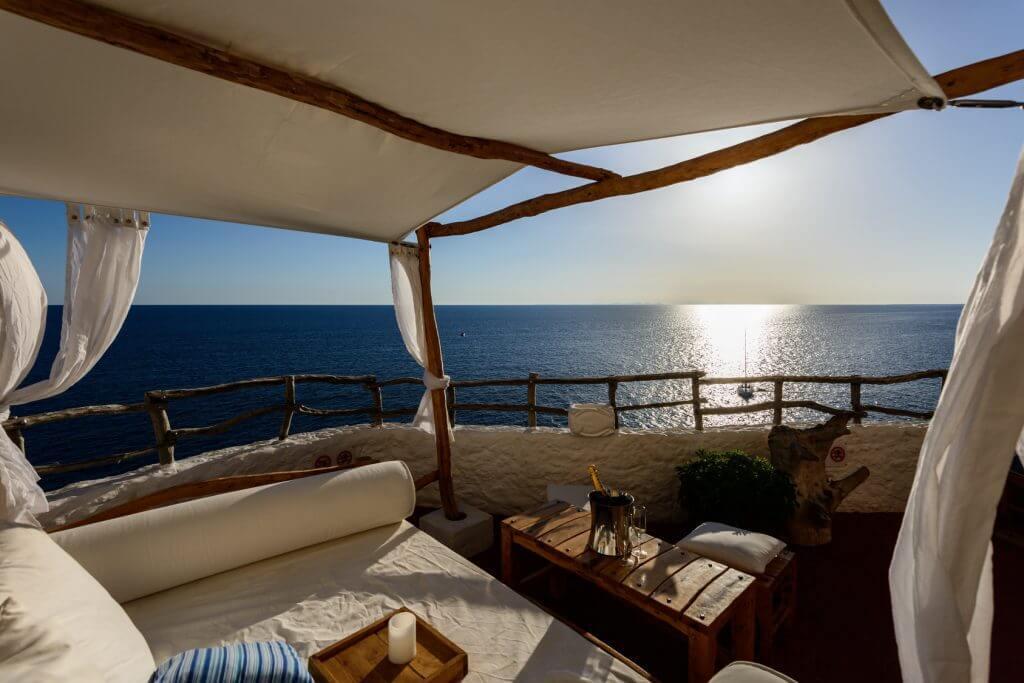 destinos turisticos para sagitario: menorca lounge