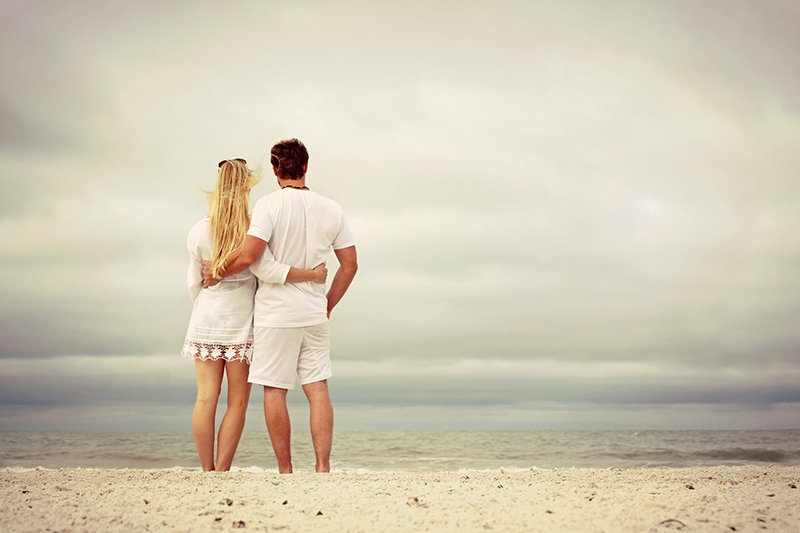 compatibilidad cáncer cáncer pareja mirando el horizonte