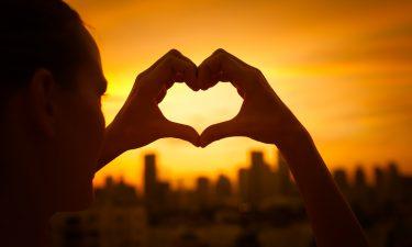 ¿Cómo puede atraer el amor cada signo a su vida?
